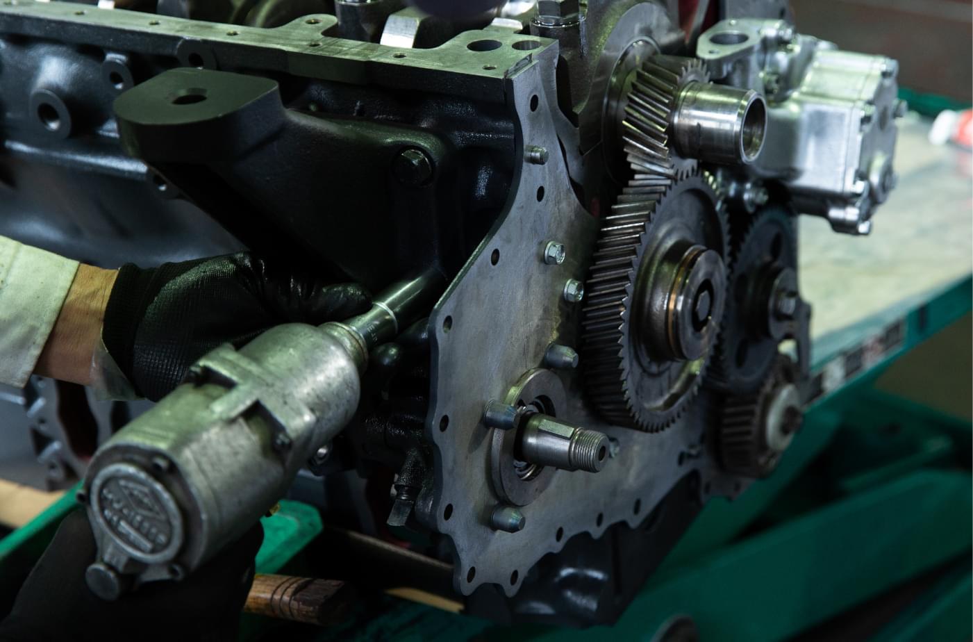 創業70年以上、積み重ねてきた実績と信頼。エンジンを知り尽くした私達だから提供できる価値があります。